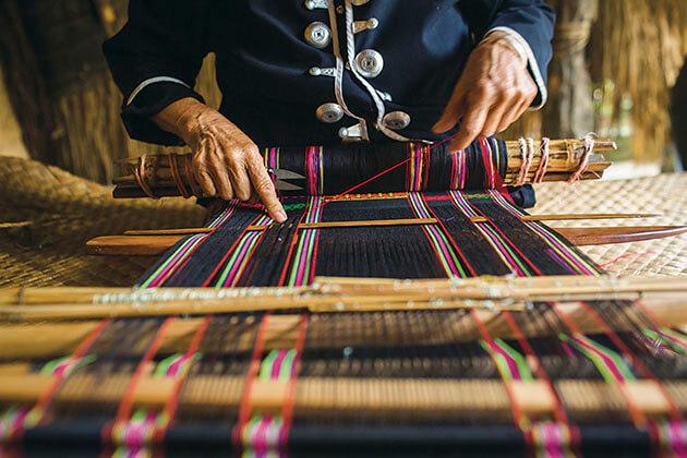 China Sanya Shore Excursions Weaving in Li & Miao Village