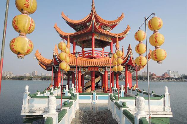 Pei Chi Pavilion Kaohsiung Shore excursions