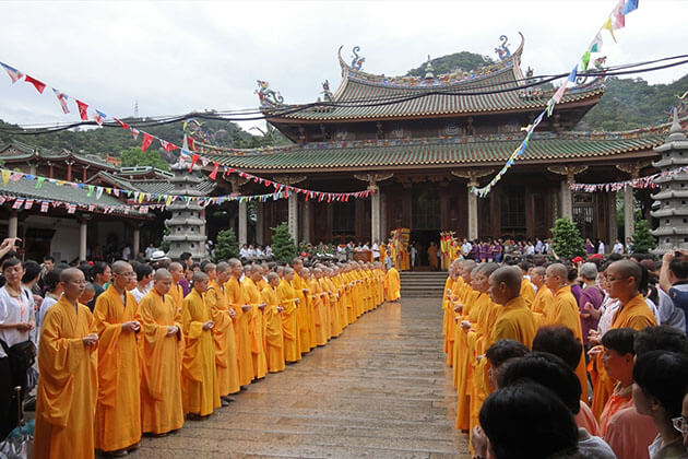 South Putuo Temple Xiamen Tour from Cruise Port