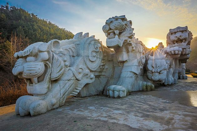 Tigers Sculpture in Dalian Shore Excursions